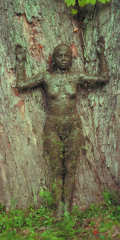 ssstendhal arte el rastro en la escultura ana mendieta barro