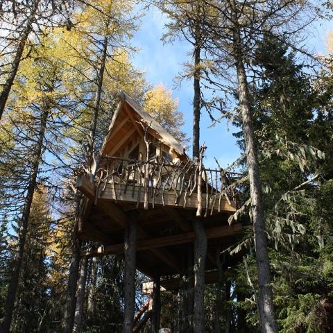 ssstendhal arte casas de arbol tree top hut 08