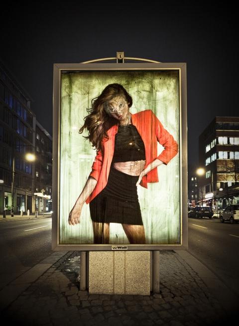 ssstendhal arte vermibus desdibujando la belleza Intervention in rosa Luxemburg Berlin 2013 laura colome1
