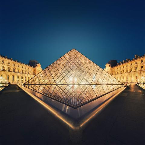 ssstendhal ocio piramides louvre